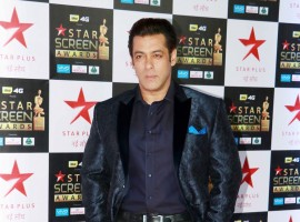 Salman Khan poses for the photographers during the Star Screen Awards at Bandra Kurla Complex in Mumbai.