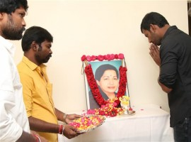 South Indian Actor Vishal pays respect to Jayalalithaa on her Death Anniversary.
