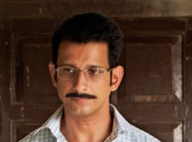 Excel Media and Entertainment's upcoming flick titled '3 Storeys' marks the first outing of Sharman Joshi and Excel. The thriller film will depict Sharman Joshi in a never seen before avatar. Dressed in formals and sporting a moustache with spectacles, the actor dons a distinct look. Set in the chawls of Mumbai, the thriller film showcases the unseen side of Sharman Joshi. '3 Storeys' stars an ensemble cast of Renuka Shahane, Pulkit Samrat, Masumeh, Sharman Joshi and Richa Chadha.