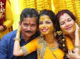 Diya Aur Baati Hum fame Pooja Singh ties a knot with longtime boyfriend Kapil Chattani.