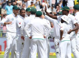 Indian bowlers had given India big hopes after bowling out South Africa for 130 in their second innings, setting a target of 208 to win the match. But the visiting batsmen capitulated, with paceman Veron Philander scalping six wickets. All-rounder Ravichandran Ashwin top-scored for India with 37. Captain Virat Kohli was the second-highest scorer with 28 as the hosts took a 1-0 lead in the three-match series.