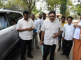 Sidelined AIADMK leader T.T.V. Dinakaran arrives at Bengaluru's Parappana Agrahara Jail to visit his aunt V. K. Sasikala on Jan 12, 2018.
