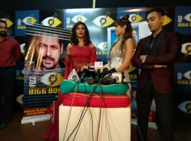 From social media to her friends in the industry, everyone flooded messages mentioning how they want Shilpa to win the show. After over three months long battle inside the house, four participants made it to the grand finale - Shilpa Shinde, Hina Khan, Puneesh Sharma and Vikas Gupta. Host Salman Khan announced the name of the winner. Akshay was present there also to promote his upcoming film