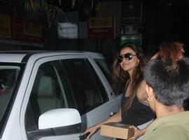 Bollywood Actress Daisy Shah snapped at Farmer's Cafe Bandra.