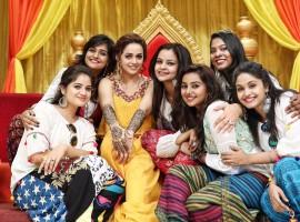 Actress Bhavana glows in mehandi ceremony, to marry boyfriend Naveen in Thrissur.