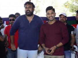 Telugu movie Naa Peru Surya press meet held at Hyderabad. Actor Allu Arjun grace the event.