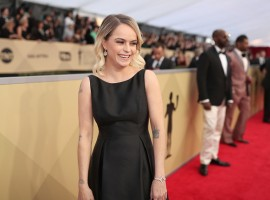 American actress Taryn Manning says she was annoyed to learn that her dress for this year's Screen Actors Guild Awards cost was just $200.