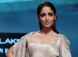 The gorgeous Yami Gautam was seen in stunning couture of Manish Malhotra, who launched Inaya at Lakmé Fashion Week. She donned the stylish saree as she walked the ramp as showstopper for Manish Malhotra at LFW.