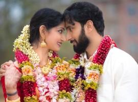 Malayalam actress Divya Unni and Arun Kumar Manikandan gets married at Sri Guruvayurappan Temple in Houston, USA.