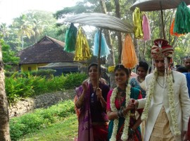 Director Lakshmy Ramakrishnan's daughter Sruthi weds Ankit at Kumarakom, Kerala