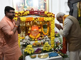 Prime Minister Narendra Modi prays at the Shiva Temple in Muscat. One of the oldest temples in the region, it is situated in Muscat.