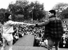 Ahead of the film's release, team Aiyaary visited Delhi University's Shri Ram College of Commerce for the film's promotions. Sidharth Malhotra, Manoj Bajpayee, Rakulpreet Singh were at their coolest best as there were seen indulging in an energetic performance amidst the college students.