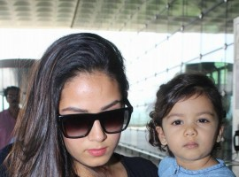Mira Rajput with her cute daughter Misha Kapoor clicked at Mumbai airport on 15 February 2018.