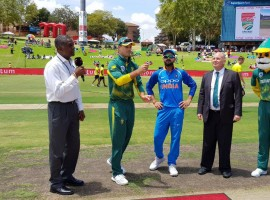 India skipper Virat Kohli won the toss and put South Africa in to bat in the sixth and final One-day International at the Supersport Park here on Friday. Already 4-1 up in the series, the visitors decided to rest paceman Bhuvneshwar Kumar and included youngster Shardul Thakur in the playing XI while the hosts made four changes after the 73-run loss in the fifth ODI at Port Elizabeth.