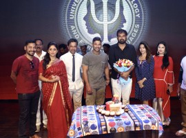 Actor Allu Arjun, Anu Emmanuel celebrate Vakkantham Vamshi birthday on Naa Peru Surya, Naa Illu India sets.