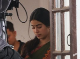 Jhanhvi Kapoor spotted on the location of her upcoming movie 'Dhadak' after sudden demise of actress Sridevi.