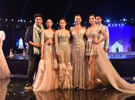 Manish Malhotra unveiled his Summer 2018 Couture collection tonight over a spectacular show hosted at the Yoo Villas in Pune.