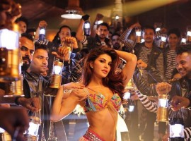 Jacqueline Fernandez is seen sizzling in the song with her impeccable dance moves.