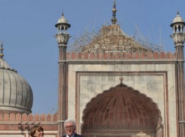 German President Frank-Walter Steinmeier and his wife Elke Büdenbender during their visit to Jama Masjid in New Delhi