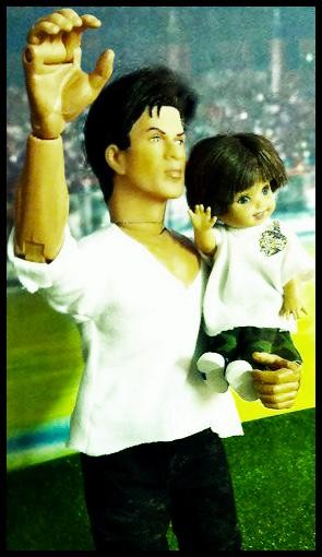 Shah Rukh Khan and his son AbRam turned into a doll,starkid,Shah Rukh Khan,AbRam,Shah Rukh Khan and AbRam,srk,Bollywood Badshah Shah Rukh Khan,actor Shah Rukh Khan
