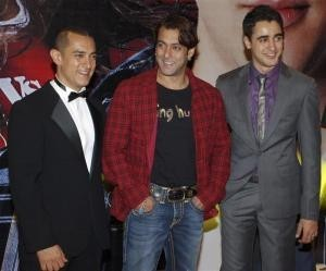 Aamir Khan and Salman Khan at a movie promotion
