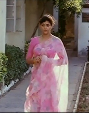 Screensshot from Karna film (YouTube)