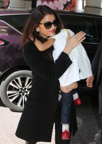 Aishwarya arrives at Hotel Martinez for Cannes 2015,Aishwarya Rai Bachchan arrives at Hotel Martinez for Cannes 2015,Aishwarya Rai Bachchan,actress Aishwarya Rai Bachchan,Aishwarya Rai Bachchan at Cannes 2015,Cannes 2015,Aishwarya Rai at Cannes 2015,Aishw