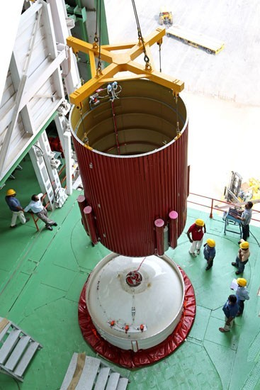 8 Hoisting of an interstage of PSLV-C25