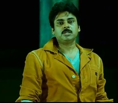 Pawan Kalyan- screenshot from Cameraman Gangatho Rambabu (YouTube)