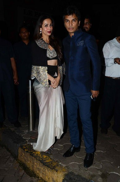 Sushmita Sen,Ameesha Patel,Sushmita Sen at Queenie Singh's Wedding Bash,Ameesha Patel at Queenie Singh's Wedding Bash,Queenie Singh Wedding Bash,Queenie Singh Wedding,Queenie Singh Wedding Bash pics,Queenie Singh Wedding Bash images,Queenie Sing