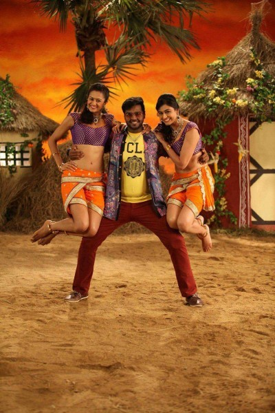 Sagaptham,tamil movie Sagaptham,Sagaptham movie stills,Shanmugapandian,vijaykanth son