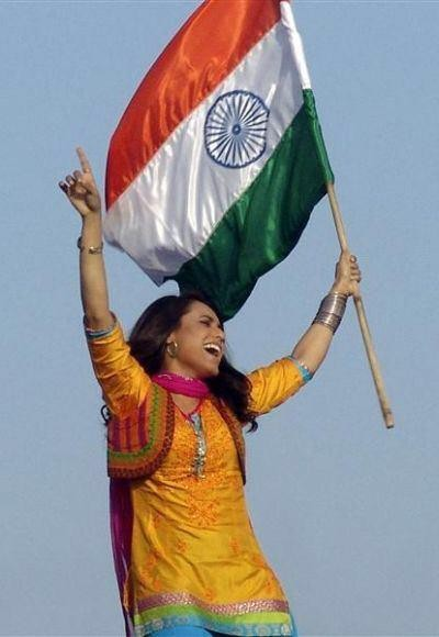 Independence Day,Celebs with Indian Flag,Indian Flag,I-Day,celebs pose with the Indian flag,Independence Day 2015,69th Independence Day