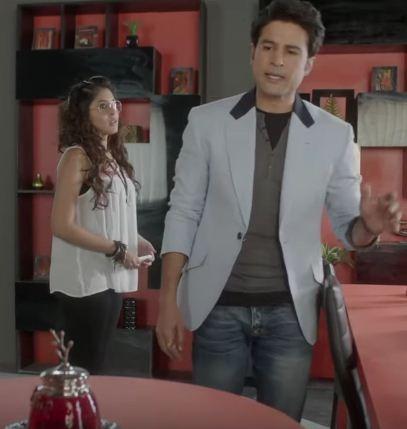 Ananya and Kabir in 'Reporters