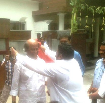Rajinikanth met his fans,Rajinikanth,Rajinikanth latest pics,Rajinikanth latest images,Rajinikanth latest photos,Rajinikanth latest stills,Rajinikanth latest pictures