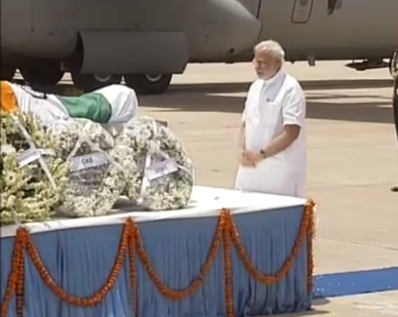 Narendra Modi pays his last respects to Dr APJ Abdul Kalam,Narendra Modi pays his last respects Abdul Kalam,Narendra Modi,Abdul Kalam,APJ Abdul Kalam,Abdul Kalam Dead,Abdul Kalam No more,last respect to Dr APJ Abdul Kalam,Narendra Modi pics