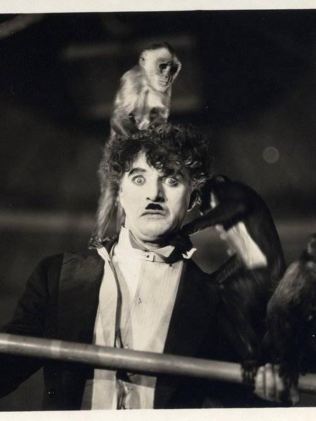 Charlie chaplin,charlie chaplin birthday,charlie chaplin birth anniversary,Rare and Unseen Photos of charlie chaplin,the circus,the great dictator,teh gold rush,126th birth anniversary,comedian