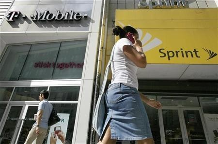 Sprint Cuts Monthly Bills Into Half For Switching From AT&T, Verizon