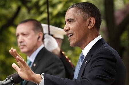 US President Barack Obama (R) and Turkish Prime Minister Recep Tayyip Erdogan hold a joint news conference in the White House Rose Garden in Washington, May 16, 2013.