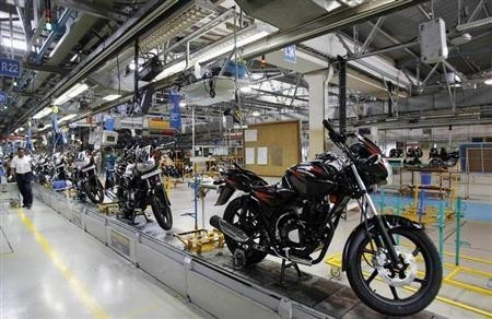 Newly built motorbikes are seen at the Bajaj Auto Ltd. plant in Pune, about 130 km (82 miles) from Mumbai August 9, 2007.
