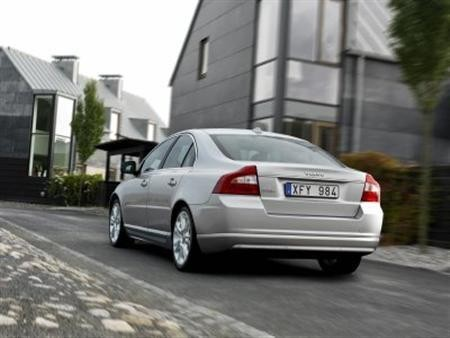 2014 Volvo S80 Set to Launch in India; Price, Feature Details