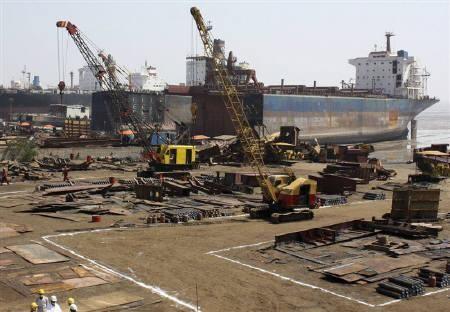 Alang shipwrecking shipyard