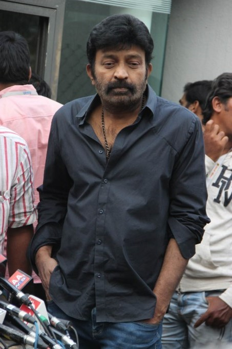 Telugu Stars Pay Last Respect to D Ramanaidu; Ravi Teja, Rajasekhar, Manchu Manoj, Anushka Shetty, Namratha and Others
