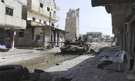 Omari Mosque in Deraa during the war in 2013/Reuters