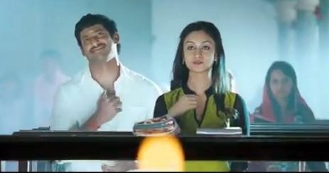Vishal-Aishwarya (Screenshot from YouTube)