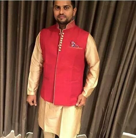 Suresh Raina,cricket player Suresh Raina,Suresh Raina marriage photos,Suresh Raina engagement pics,Suresh Raina weds Priyanka Chaudhary,Priyanka Chaudhary,suresh raina wife Priyanka Chaudhary