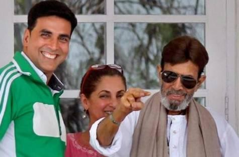 Rajesh Khanna with wife Dimple Kapadia and son-in-law Akshay Kumar days before his demise. (Facebook)