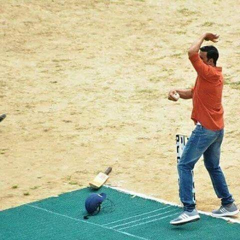 Akshay Kumar,Akshay Kumar plays cricket,Akshay Kumar plays cricket on Jolly LLB 2 Set,Akshay Kumar playing cricket,Akshay Kumar cricket,actor Akshay Kumar,Akshay Kumar on Jolly LLB 2 Set,Jolly LLB 2 Set,Jolly LLB 2,Akshay Kumar pics,Akshay Kumar images,Ak