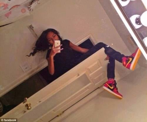 Selfie,risky selfies,self obsession,Kim Kardashian,Kim Kardashian selfies