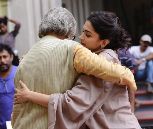Piku,Deepika Padukone,Amitabh Bachchan,irrfan khan,Shoojit Sircar,behind the scene,on the sets,photos