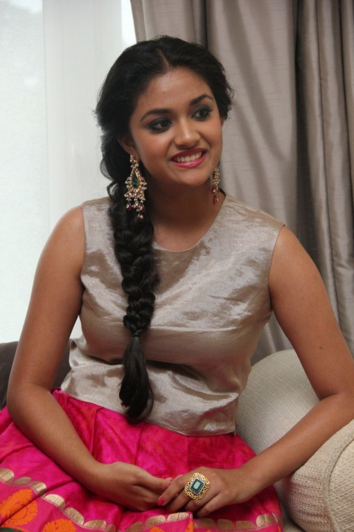 Keerthi Suresh,actress Keerthi Suresh,Keerthi Suresh at Rajini Murugan Audio Launch,Rajini Murugan Audio Launch,Rajini Murugan Audio Launch pics,Rajini Murugan Audio Launch images,Rajini Murugan Audio Launch photos,Keerthi Suresh pics,Keerthi Suresh image